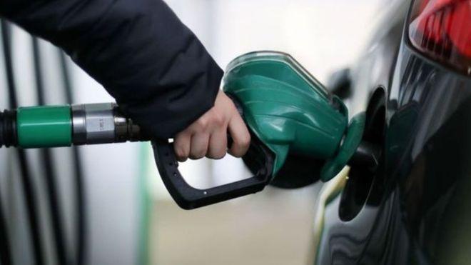 النفط يسجل أكبر ارتفاع في أربع سنوات مسجلا 70 دولارا للبرميل