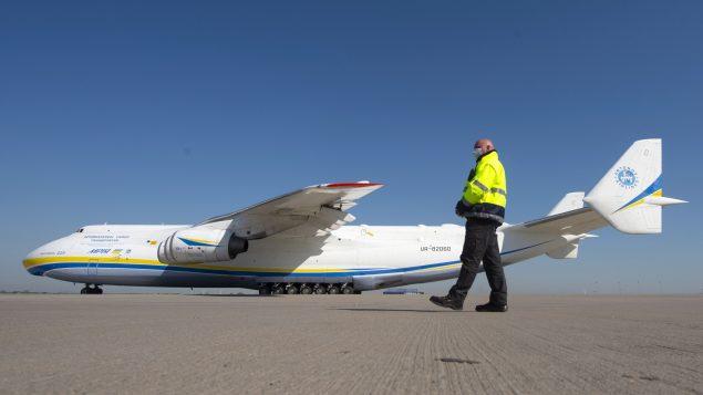 كوفيد 19: أكبر طائرة في العالم ستهبط قرب مونتريال مُحمَّلة بمعدات طبية صينية