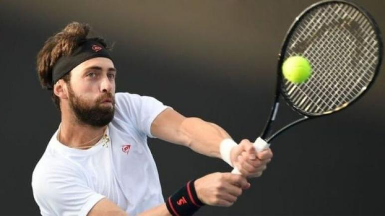 اتهام لاعب التنس الجورجي نيكولوز باسيلاشفيلي بالاعتداء على زوجته السابقة